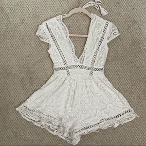 FASHION NOVA WHITE LACE ROMPER